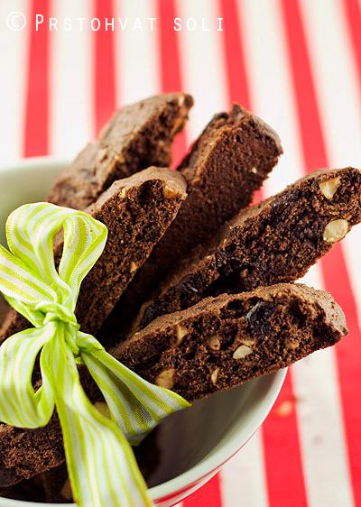 biskoti-sa-crnim-ribizlama