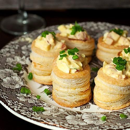 vol-au-vents-sa-salatom-od-jaja
