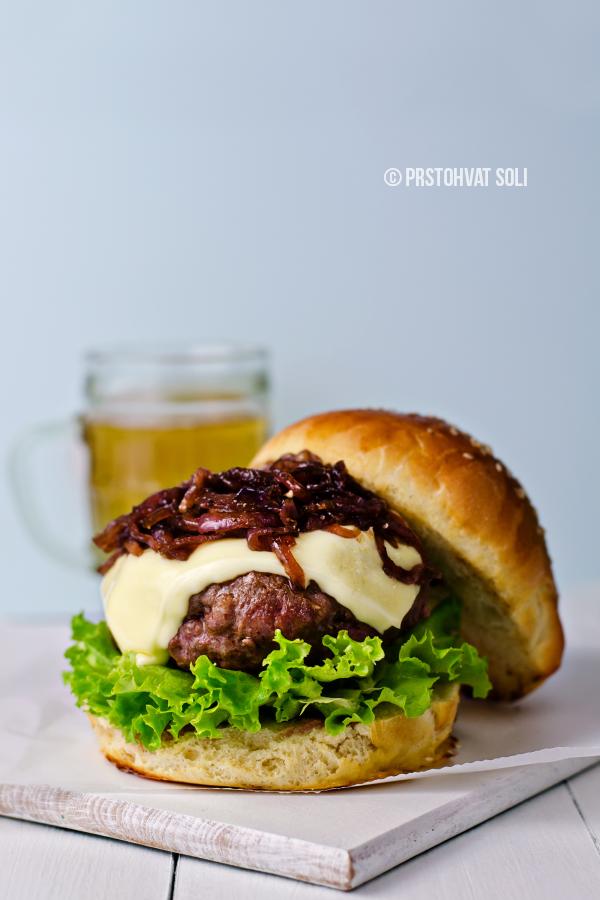 burger-sa-karamel-lukom