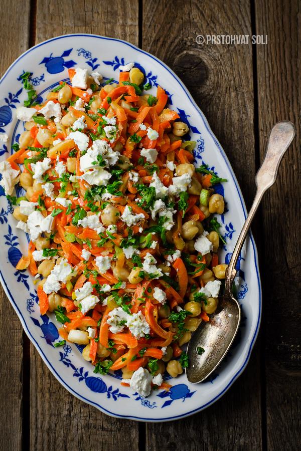 Salata sa sargarepom i leblebijama
