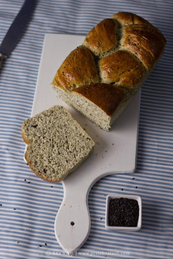 Japanski hleb sa crnim susamom