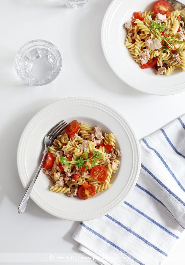 Salata sa pastom i tunjevinom