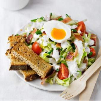 Hrskava obrok salata