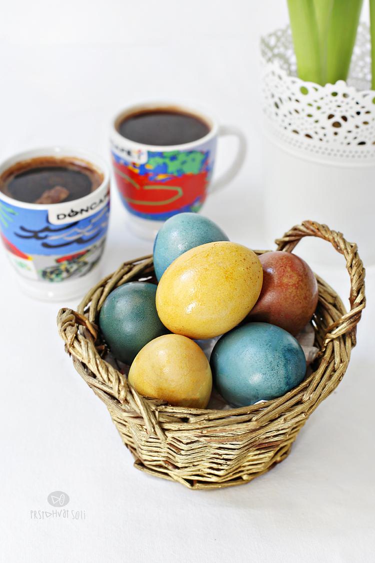 Uskrs: prirodno bojena jaja