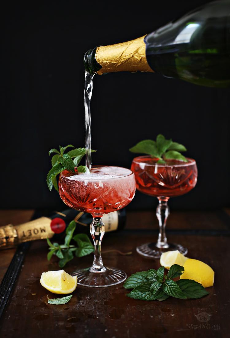 Koktel sa kupinama i šampanjcem