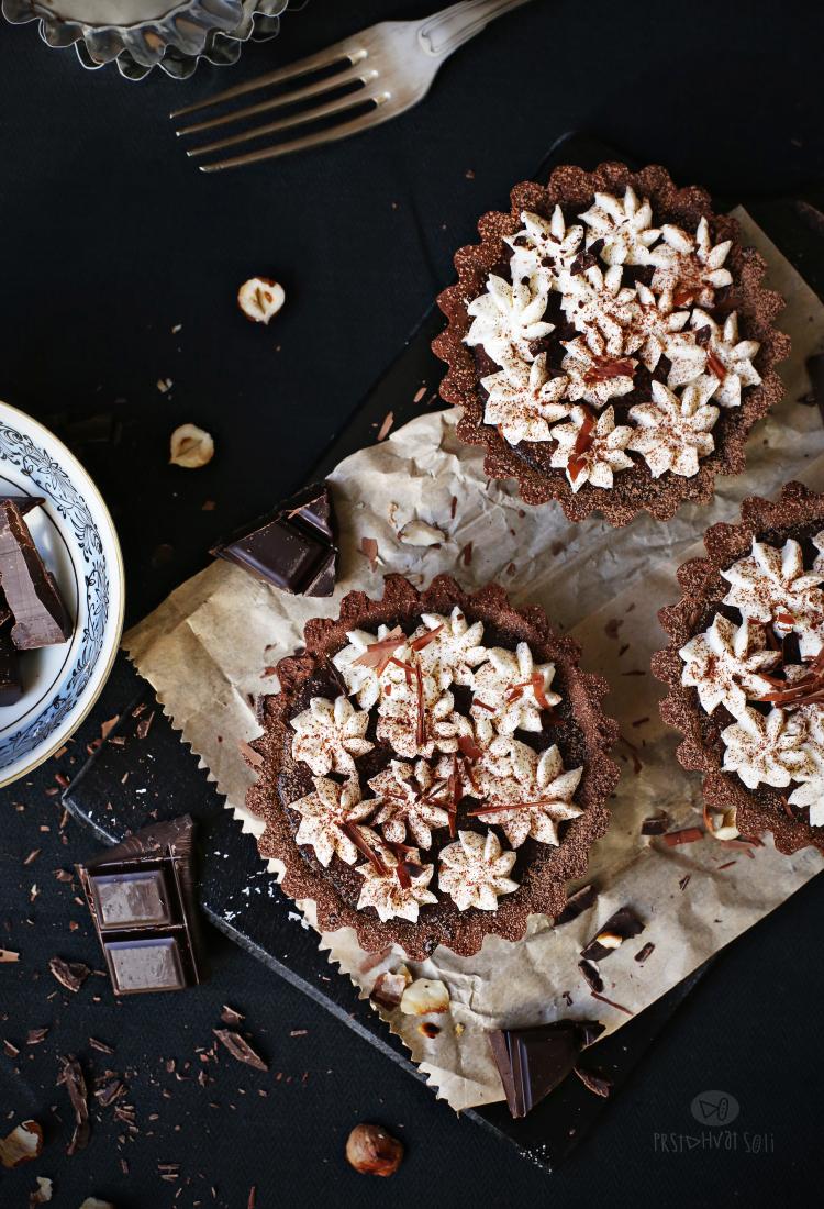 Čokoladni tartovi sa karamelom