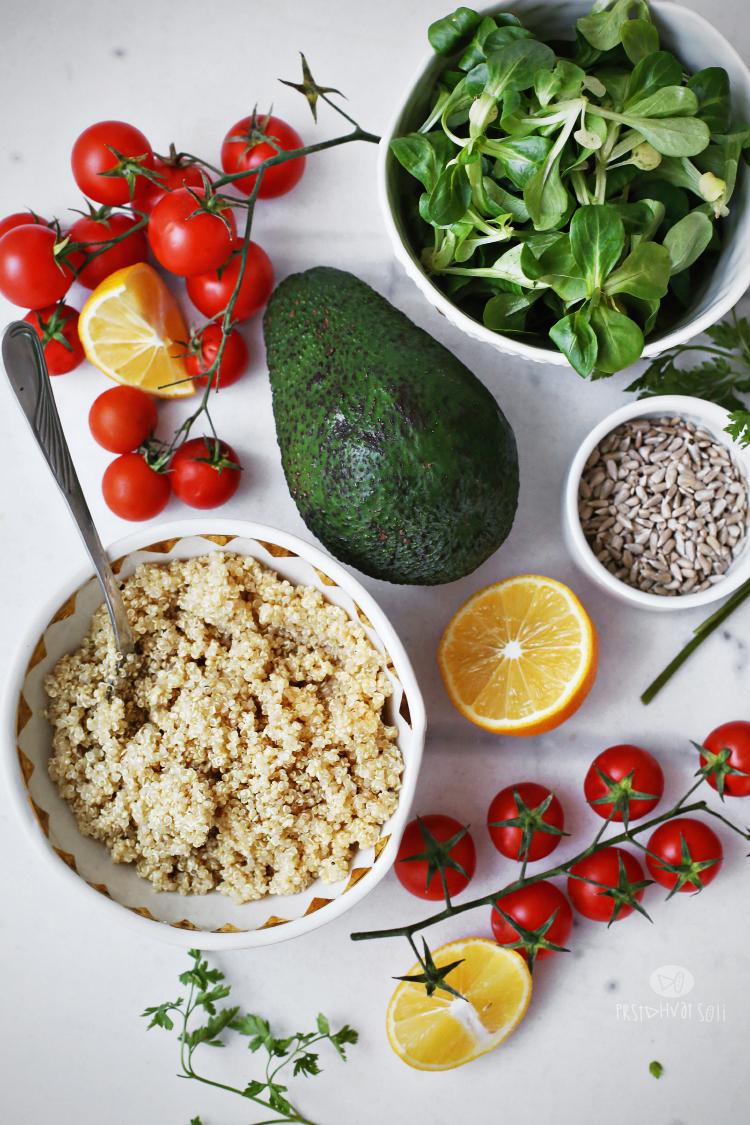Salata sa kinoom i povrćem
