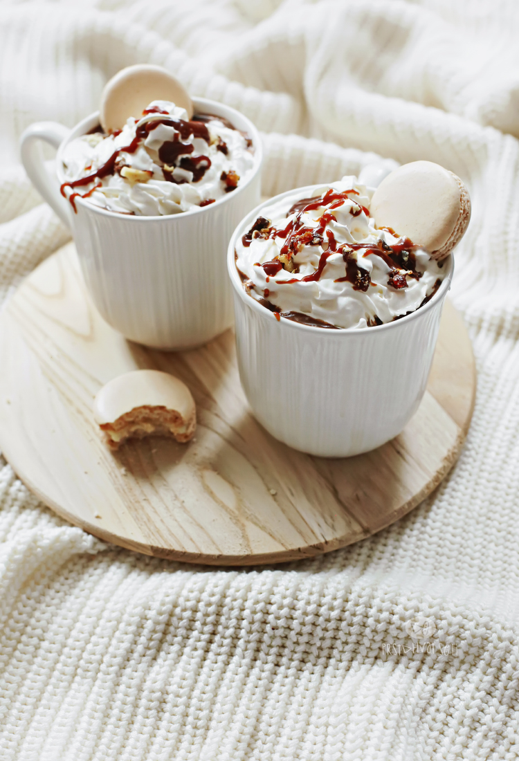 Topla cokolada sa karamel asosom