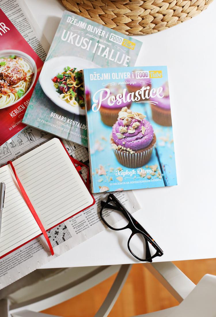 Džejmi Oliver i Foodtube: Poslastice / Kapkejkovi sa čokoladom & puter krem sa čokoladom