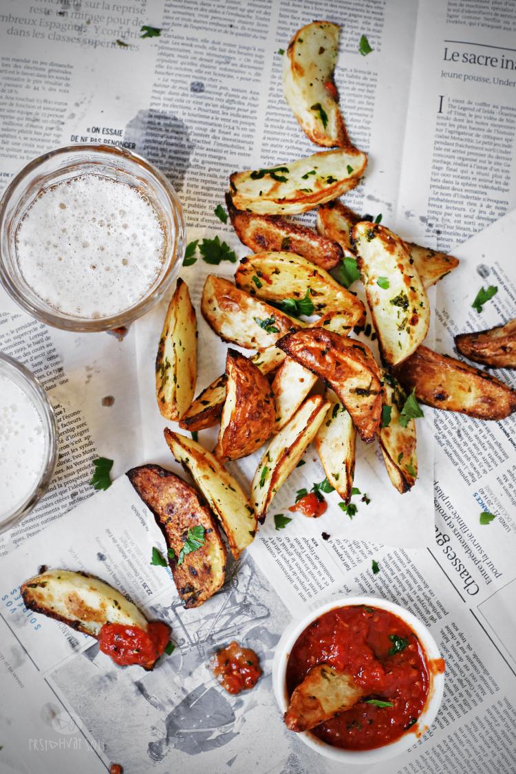 Pečeni krompir sa belim lukom