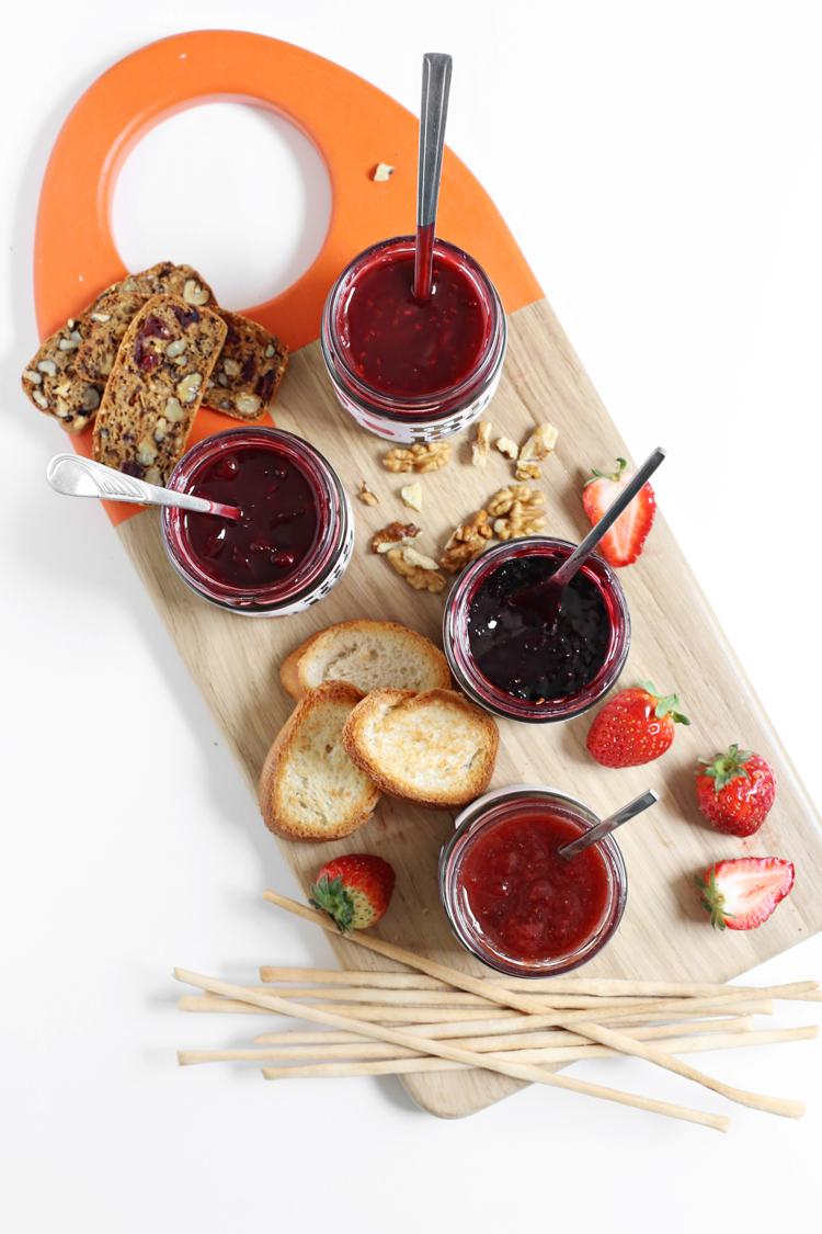 Let's Mingle: daska sa sirevima i džemovima
