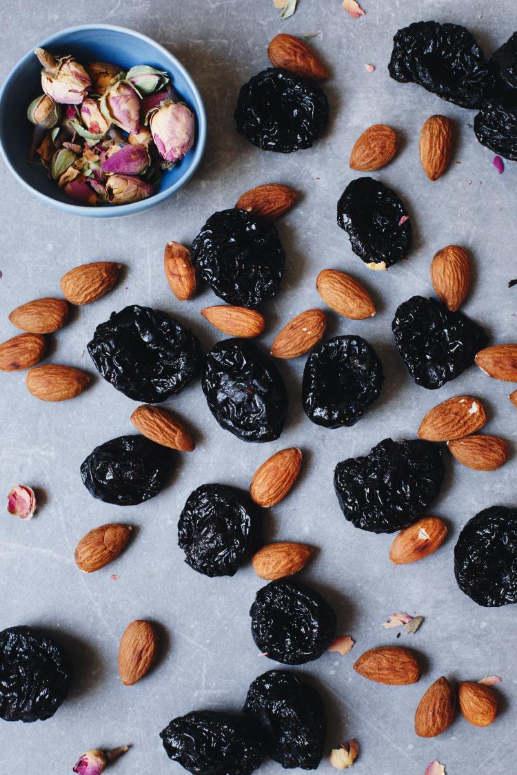 Čokoladne šljive sa bademom