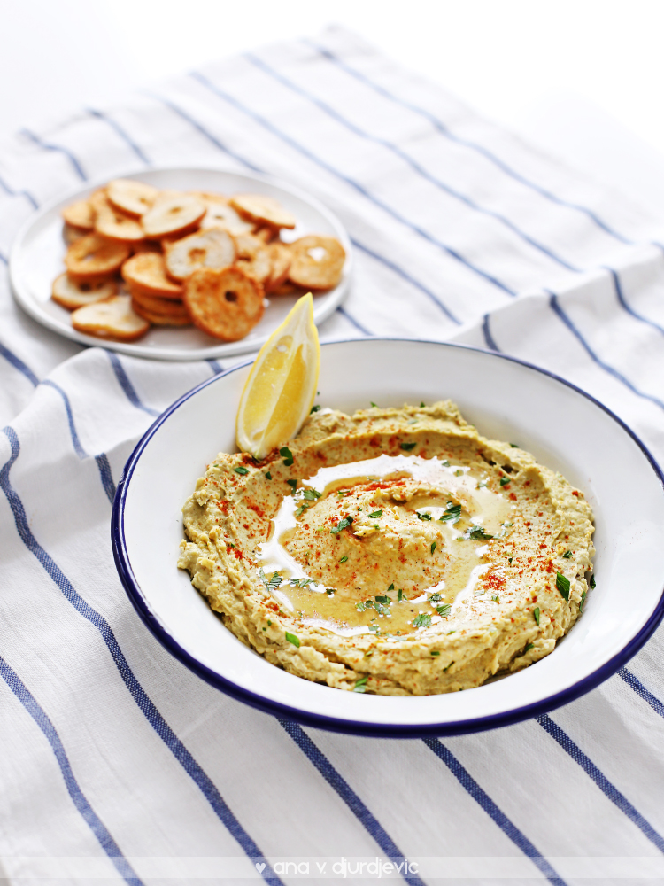 Avokado humus